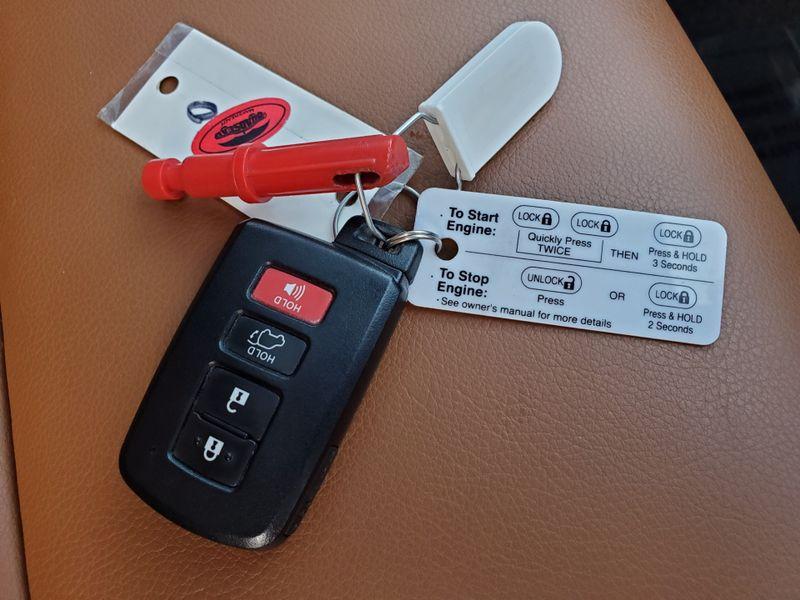 2017 Toyota RAV4 Limited  Brownsville TX  English Motors  in Brownsville, TX