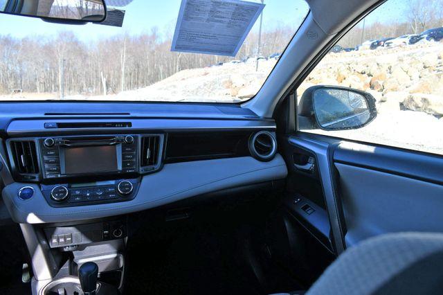 2017 Toyota RAV4 Hybrid XLE Naugatuck, Connecticut 17