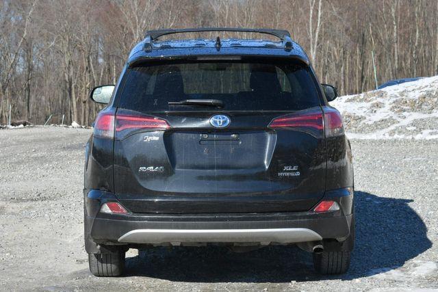 2017 Toyota RAV4 Hybrid XLE Naugatuck, Connecticut 5