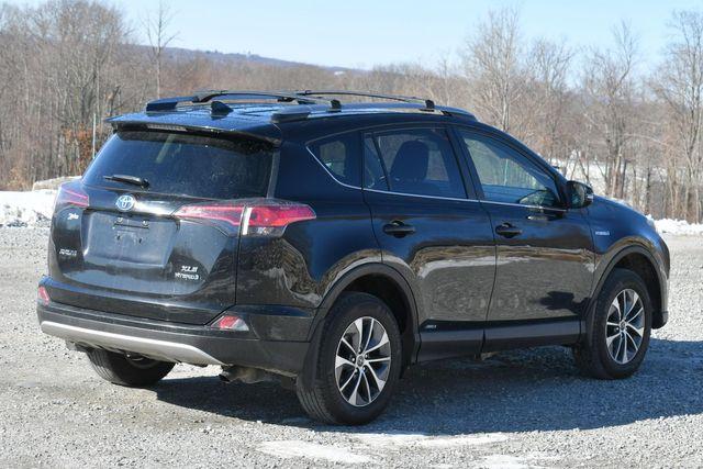 2017 Toyota RAV4 Hybrid XLE Naugatuck, Connecticut 6
