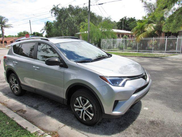 2017 Toyota RAV4 LE Miami, Florida 5