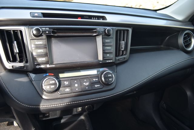 2017 Toyota RAV4 XLE Naugatuck, Connecticut 15