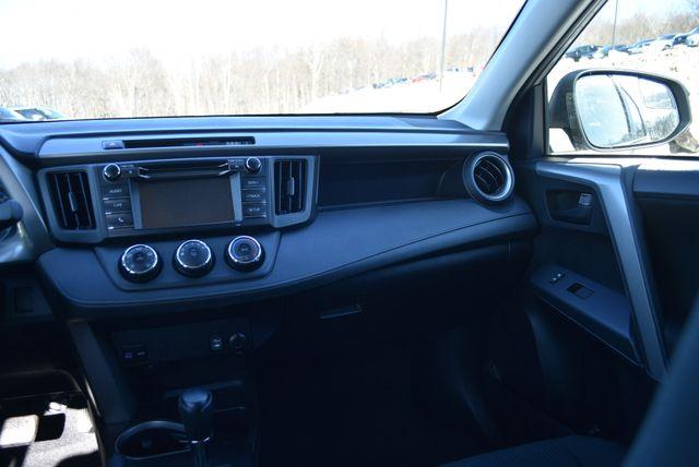 2017 Toyota RAV4 LE Naugatuck, Connecticut 11