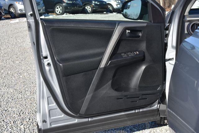 2017 Toyota RAV4 LE Naugatuck, Connecticut 12
