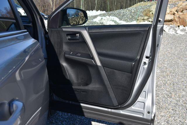 2017 Toyota RAV4 LE Naugatuck, Connecticut 3