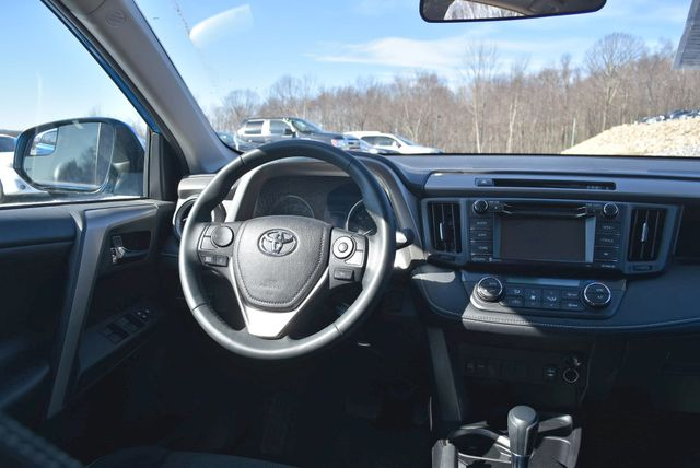 2017 Toyota RAV4 XLE Naugatuck, Connecticut 12