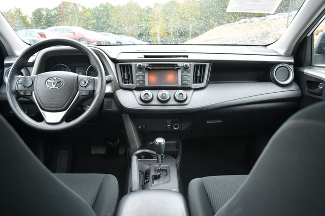 2017 Toyota RAV4 LE Naugatuck, Connecticut 17