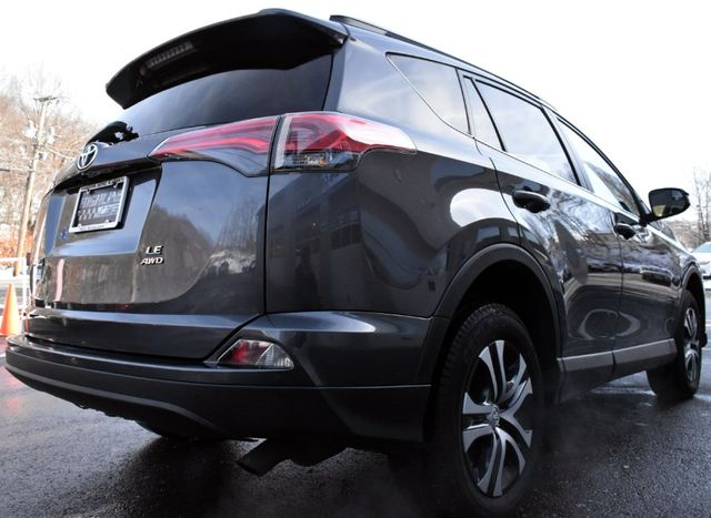 2017 Toyota RAV4 LE Waterbury, Connecticut 5