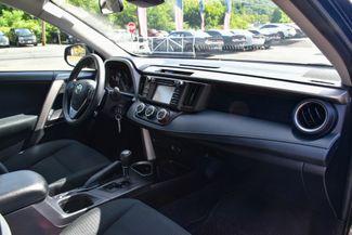 2017 Toyota RAV4 LE Waterbury, Connecticut 14