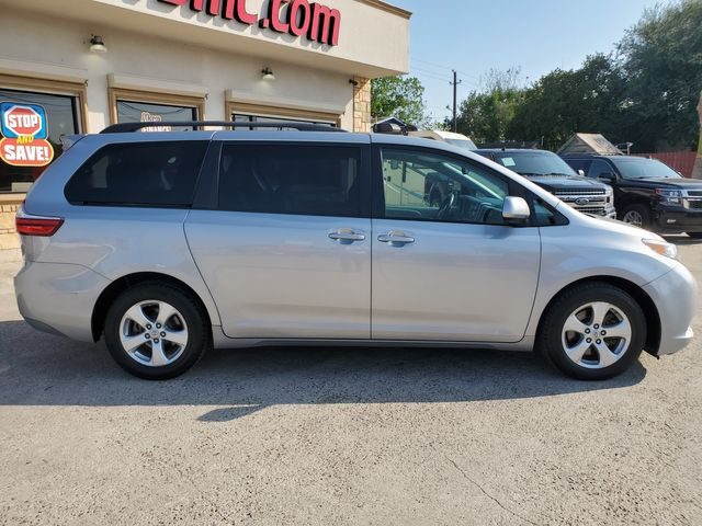 2017 Toyota Sienna LE in Brownsville, TX 78521