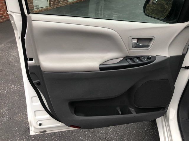 2017 Toyota Sienna LE handicap wheelchair van rear entry.. Dallas, Georgia 10