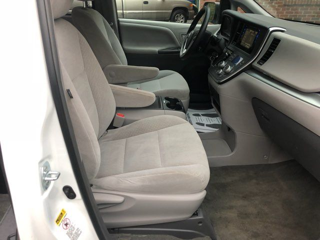 2017 Toyota Sienna LE handicap wheelchair van rear entry.. Dallas, Georgia 22
