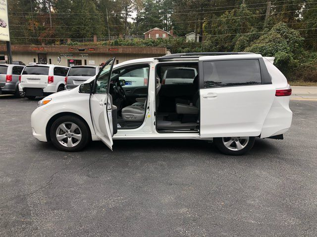 2017 Toyota Sienna LE handicap wheelchair van rear entry.. Dallas, Georgia 8