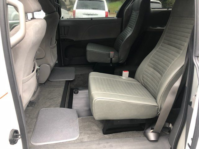 2017 Toyota Sienna LE handicap wheelchair van rear entry.. Dallas, Georgia 9