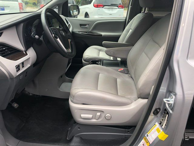 2017 Toyota Sienna XLE handicap wheelchair van Dallas, Georgia 8