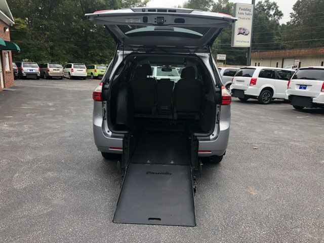 2017 Toyota Sienna XLE handicap wheelchair van Dallas, Georgia