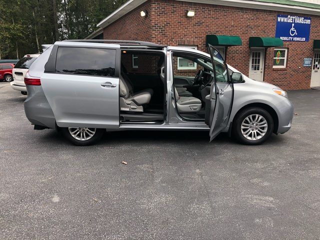 2017 Toyota Sienna XLE handicap wheelchair van Dallas, Georgia 18