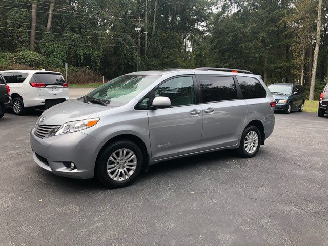 2017 Toyota Sienna XLE handicap wheelchair van Dallas, Georgia 5