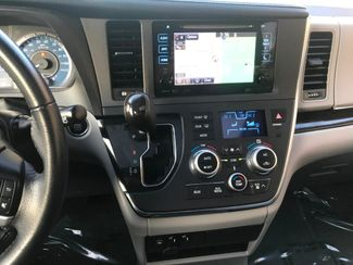 2017 Toyota Sienna XLE Farmington, MN 9
