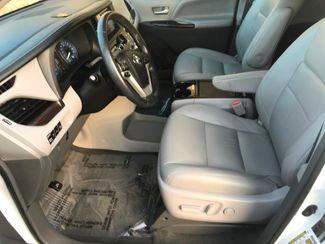 2017 Toyota Sienna XLE Farmington, MN 4