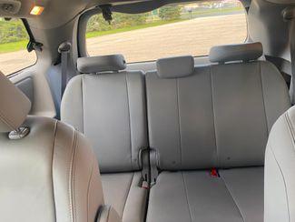 2017 Toyota Sienna XLE Premium Farmington, MN 7