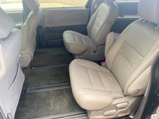 2017 Toyota Sienna XLE Premium Farmington, MN 6