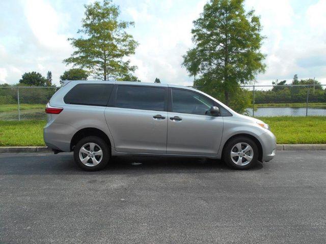 2017 Toyota Sienna L Wheelchair Van Pinellas Park, Florida 4