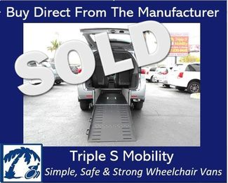 2017 Toyota Sienna Le Wheelchair Van Handicap Ramp Van Pinellas Park, Florida