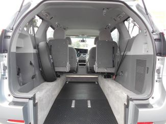 2017 Toyota Sienna Le Wheelchair Van Handicap Ramp Van Pinellas Park, Florida 5
