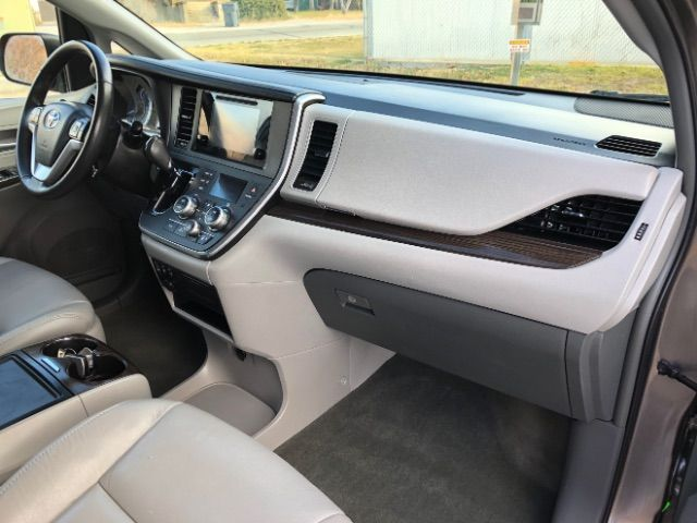 2017 Toyota Sienna XLE 7-Passenger AWD LINDON, UT 24