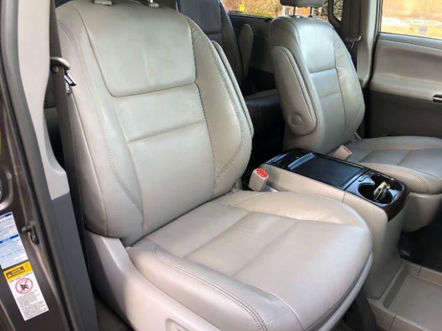 2017 Toyota Sienna XLE 7-Passenger AWD LINDON, UT 25