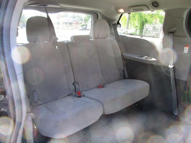 2017 Toyota Sienna LE Auto Access Seat Miami, Florida 14