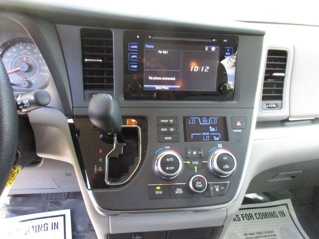 2017 Toyota Sienna LE Auto Access Seat Miami, Florida 17