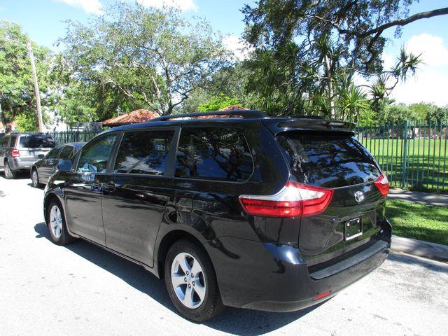 2017 Toyota Sienna LE Auto Access Seat Miami, Florida 2