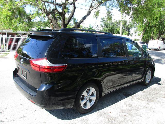 2017 Toyota Sienna LE Auto Access Seat Miami, Florida 4