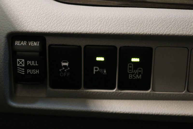 2017 Toyota Sienna XLE  city NC  The Group NC  in Mansfield, NC