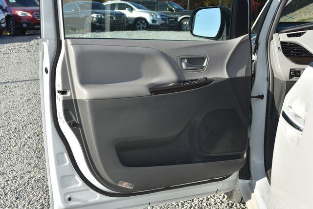 2017 Toyota Sienna XLE Naugatuck, Connecticut 19