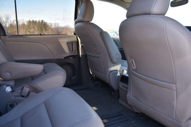 2017 Toyota Sienna XLE Naugatuck, Connecticut 10