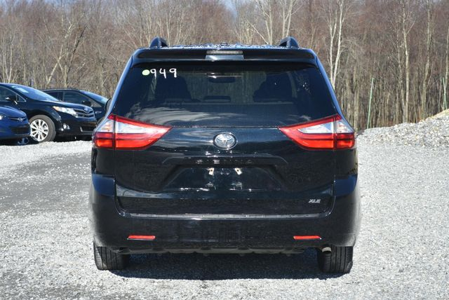 2017 Toyota Sienna XLE Naugatuck, Connecticut 3
