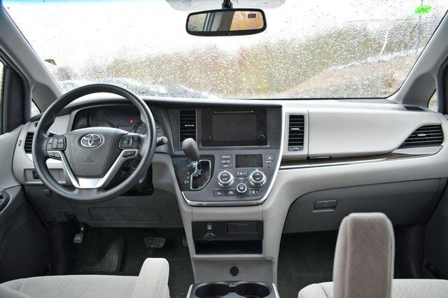 2017 Toyota Sienna LE Naugatuck, Connecticut 12