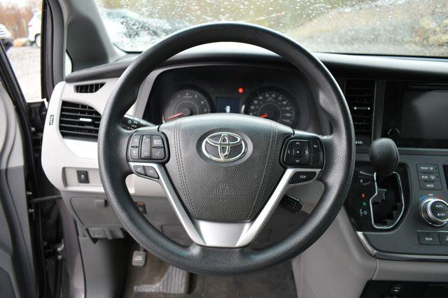 2017 Toyota Sienna LE Naugatuck, Connecticut 16