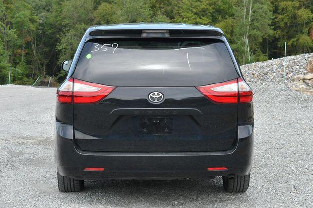 2017 Toyota Sienna L Naugatuck, Connecticut 3