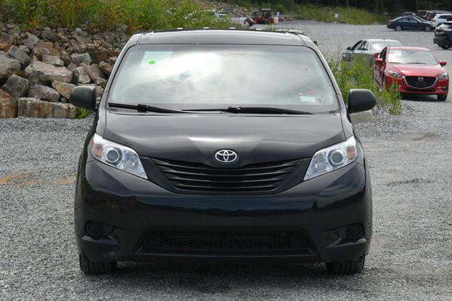 2017 Toyota Sienna L Naugatuck, Connecticut 7