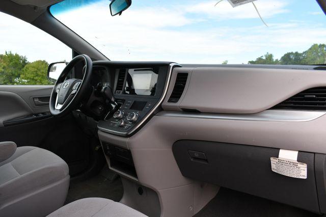 2017 Toyota Sienna L Naugatuck, Connecticut 8