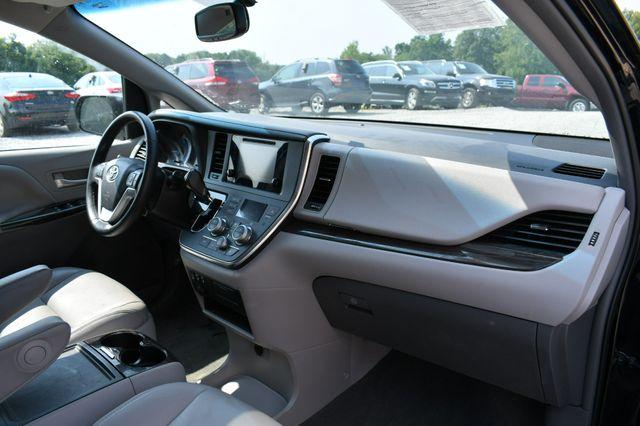 2017 Toyota Sienna XLE Naugatuck, Connecticut 11