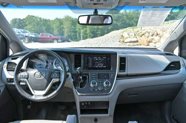 2017 Toyota Sienna XLE Naugatuck, Connecticut 17