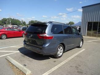 2017 Toyota Sienna LE SEFFNER, Florida 14