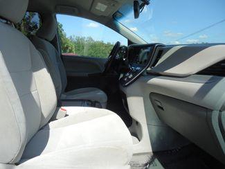 2017 Toyota Sienna LE SEFFNER, Florida 16