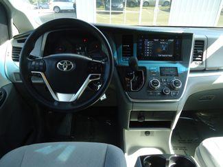 2017 Toyota Sienna LE SEFFNER, Florida 28