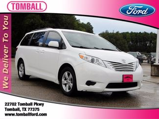 2017 Toyota Sienna in Tomball, TX 77375